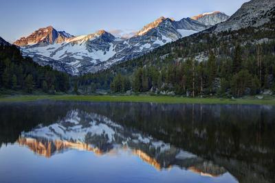 USA, California, Sierra Nevada Range. Reflections in Heart Lake.