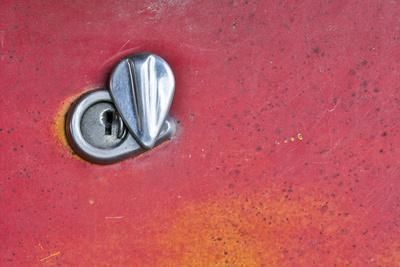 USA, Montana. Missoula, Ft. Missoula Park, Lock on Door of Old Truck