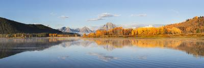 Sunrise at Oxbow Bend in fall, Grand Teton National Park, Wyoming