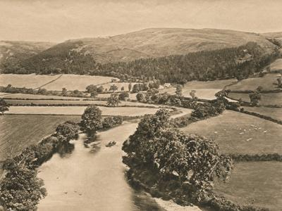 'The Dee Valley, from Glendower's Mound', 1902