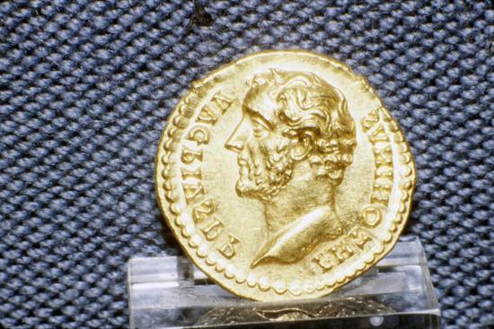 Gold Coin of Roman Emperor, Antonius Pius, 138-161