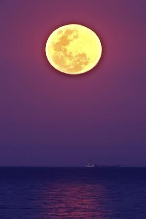 Full Moon rising over the sea