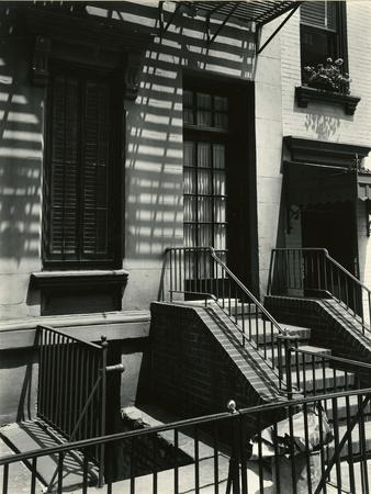 Building, New York, 1945