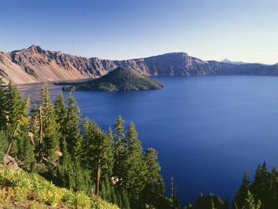 OR, Crater Lake NP. Crater Lake and Wizard Island with distant Hillman Peak