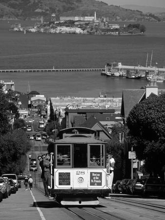 Tram, Hyde St, San Francisco, California, USA