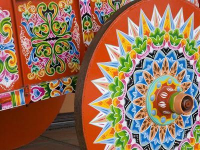Decorative Ox-Cart in Sarchi Village, Central Highlands, Costa Rica, Central America