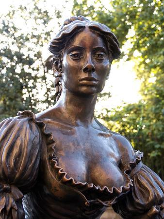 Molly Malone Statue, Grafton Street, Dublin, Republic of Ireland, Europe