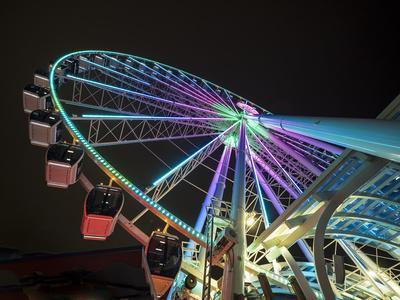 USA, Washington State, Seattle, ferris wheel at night.