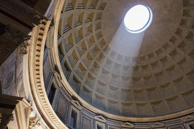 Italy, Rome, Pantheon interior with shaft of light.