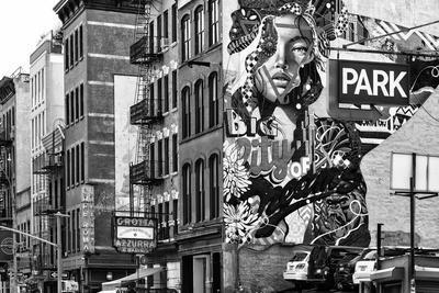 Black Manhattan Collection - Graffiti Park