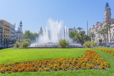 Ayuntamiento Square and townhall, Valencia, Comunidad Autonoma de Valencia, Spain