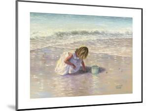 Finding Sea Glass by Vickie Wade